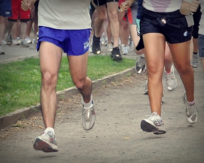 Heel striking running increase braking thereby hindering performance