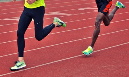 changing from heel strike to forefoot strike does not increase risk of Achilles injury