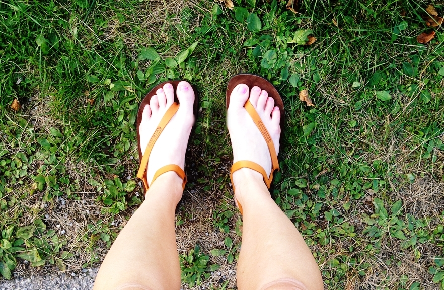 Forefoot running in Earth Runner Sandals