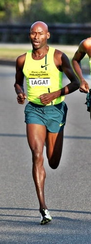 Forefoot running means landing on the lateral forefoot