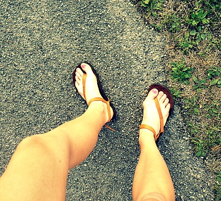 Barefoot-Like Running Sandals Improves Balance