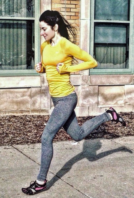 How  Forefoot Striking Prevents Running Knee Injuries