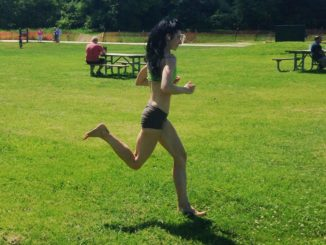 How Bare Feet Running Helps You Run Better