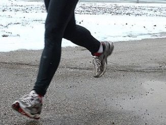 Heel Strike Running May Cause Aching Feet and Ankles
